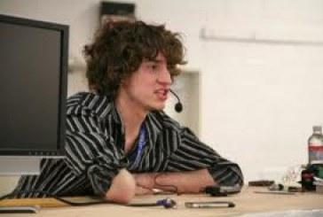 Facebook contrata hacker que quebrou a proteção do Playstation 3