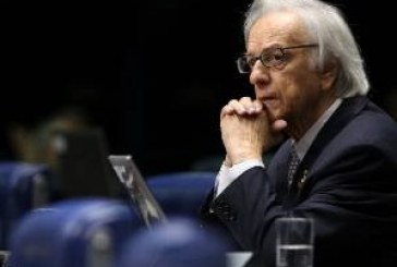 Morre aos 81 anos o Ex presidente do Brasil Itamar Franco