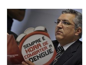 De 561 cidades brasileiras, 48 têm risco de surto de dengue e 236 estão em alerta