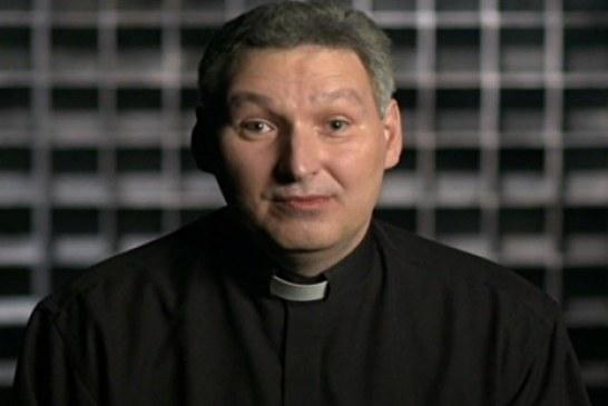 'Usei anabolizantes por três anos', diz padre Marcelo Rossi
