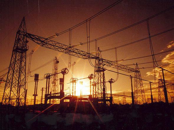 Apesar de redução, Brasil ainda tem um dos mais altos custos de energia