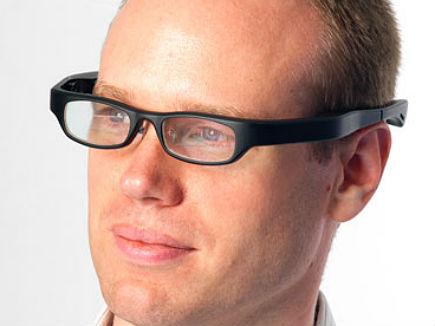 399d9ed318b0f Empresa britânica desenvolve óculos para concorrer com Google Glass ...