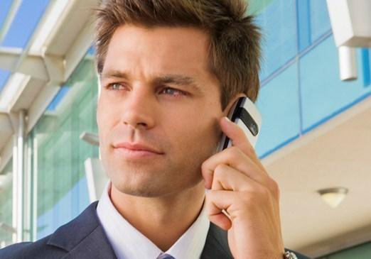 Para quem usa pouco, tarifas de celular caíram 35% este ano, diz estudo