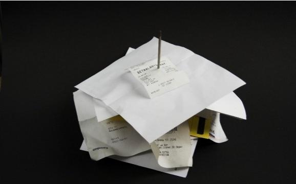 Consumidor deve guardar recibos dos pagamentos feitos no ano