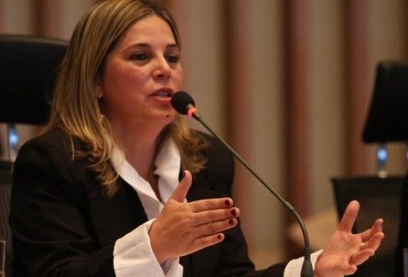 Conselho de Psicologia decide cassar registro de psicóloga de Marisa Lobo por sua fé cristã