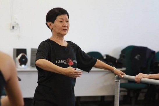 Bailarina Toshie Kabayashe dá aulas no Basileu França
