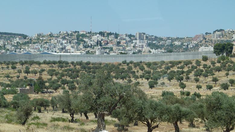 Muro israelense vai separar cristãos de seus centros religiosos em Belém