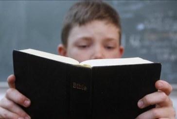 Justiça considera inconstitucional lei que obriga escolas a terem Bíblia