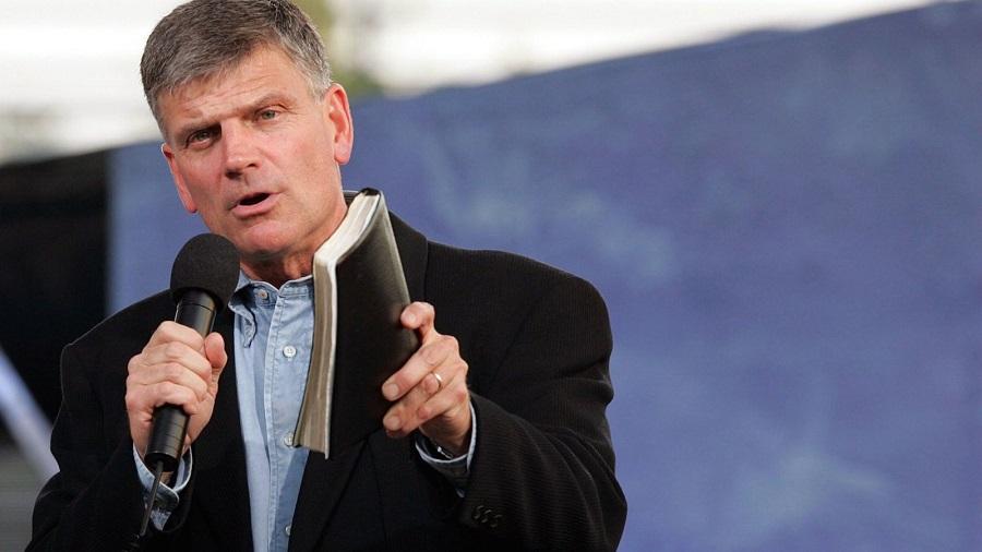 Frankin Graham elogia postura de Trump de convocar país à oração em resposta ao massacre de Las Vegas