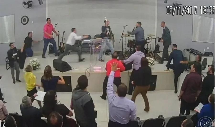 'Ele quis testar se Deus é Deus', diz pastor sobre homem que tentou esfaqueá-lo