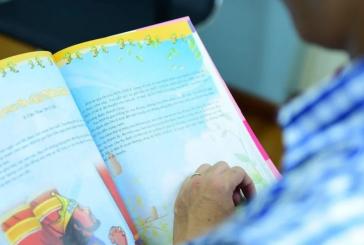 Cristão arrisca a própria vida para levar 100 mil Bíblias a crianças do Vietnã