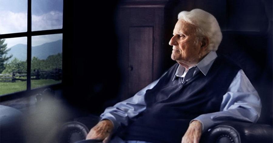 """Billy Graham: """"Dobre os joelhos e ore, até que você e Deus sejam amigos íntimos"""""""