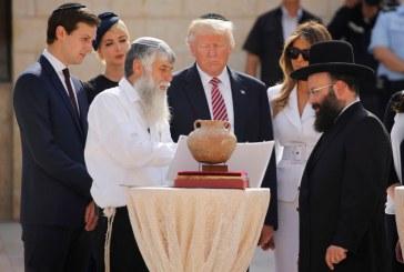 """Rabinos comparam Trump a Josué: """"Não fui eu que lhe ordenei? Seja forte e corajoso!"""""""
