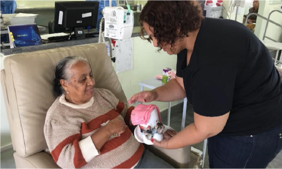 buscar Após vencer batalha contra o câncer, cristã passa a evangelizar pacientes nos hospitais