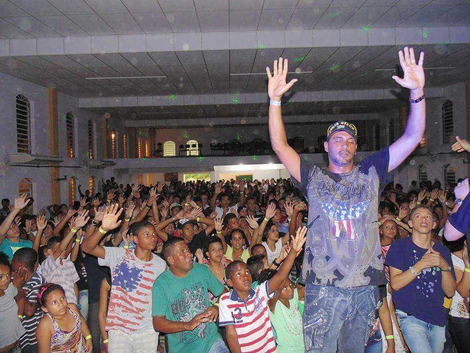 MC Bola de Fogo se converte e abre clínica de reabilitação, no Espírito Santo