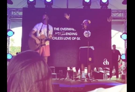 Justin Bieber lidera momento de adoração no festival Coachella