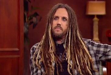 """""""Estava completamente vazio, mas o amor de Jesus me preencheu"""", diz guitarrista do Korn"""
