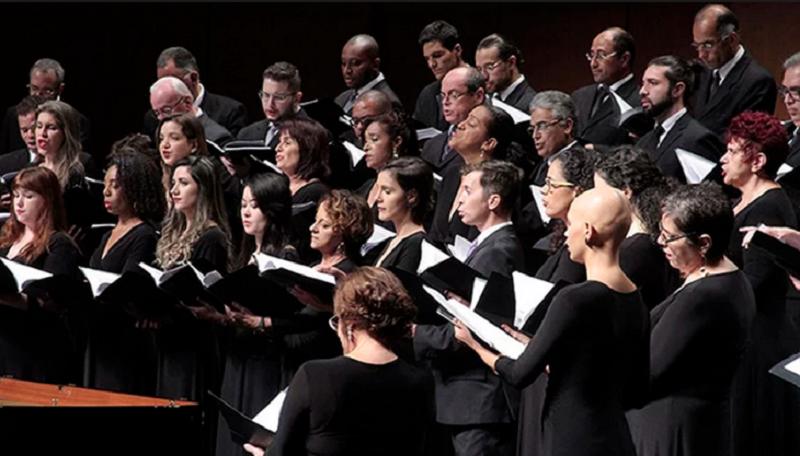 Musical resgata clássicos hinos da igreja evangélica, em Fortaleza