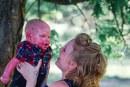 """Mãe se volta para Deus após ter bebê com síndrome rara: """"Ele é minha recompensa"""""""