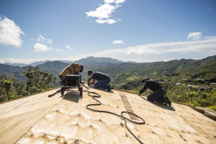 Ministério social liderado pelo pastor Franklin Graham mobiliza recursos para reconstrução de casas e igrejas em Porto Rico
